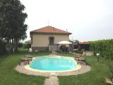 Villa Indipendente con Piscina a Salice Terme